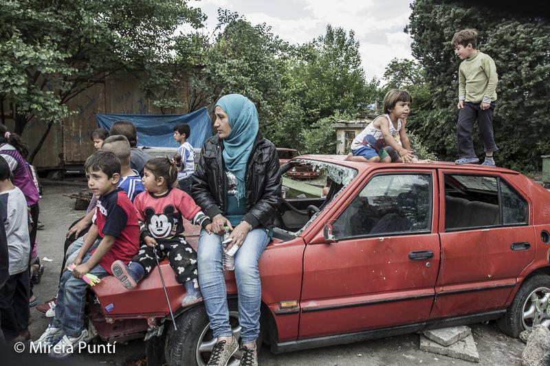 Mujeres y niños en el campo de refugiados de Idomeni