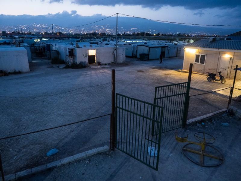 8- El campamento, de noche.