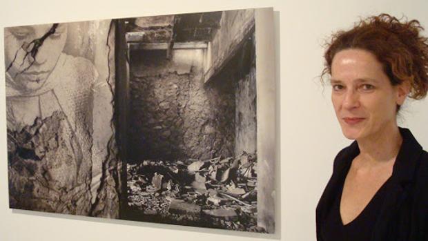 Ana Teresa Ortega en una de sus exposiciones.